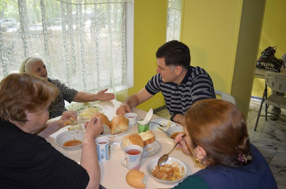 ილია წულაიამ დიდუბის რაიონის გამგეობის უფასო კვების სასადილოები მოინახულა