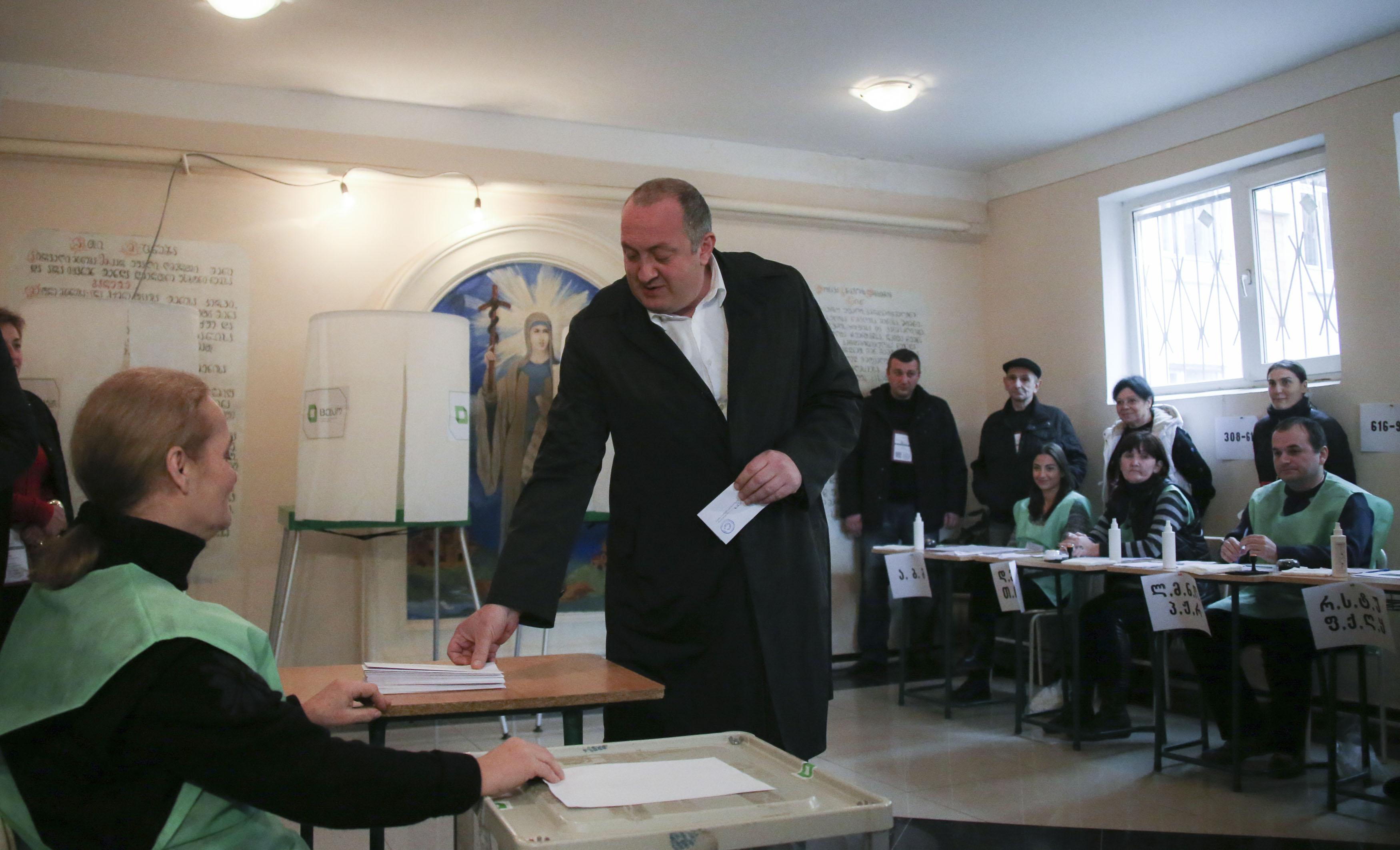 საქართველოს პრეზიდენტი მეორე ტურში ამომრჩეველს აქტიურობისაკენ მოუწოდებს