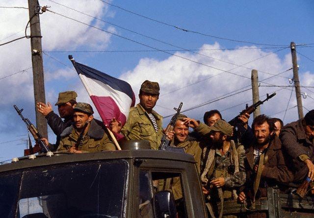 როგორ, რატომ და რა მიზნით დაიწყო ომი აფხაზეთში 25 წლის წინ