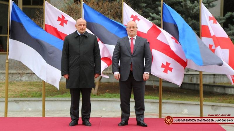 ლევან იზორია ესტონეთის თავდაცვის მინისტრს მასპინძლობს