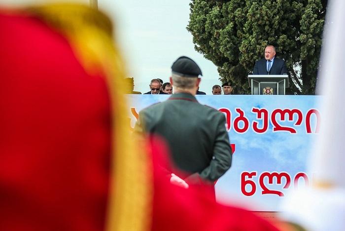 საქართველოს პრეზიდენტმა შეიარაღებულ ძალებს 27 წლის იუბილე მიულოცა