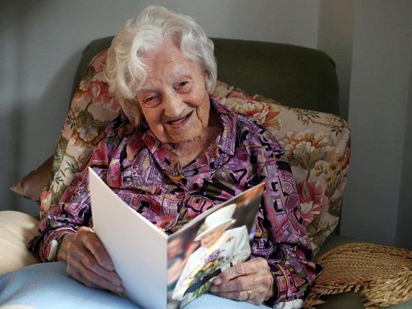 ბრიტანეთის უხუცესი ქალბატონი 113 წლის ასაკში გარდაიცვალა