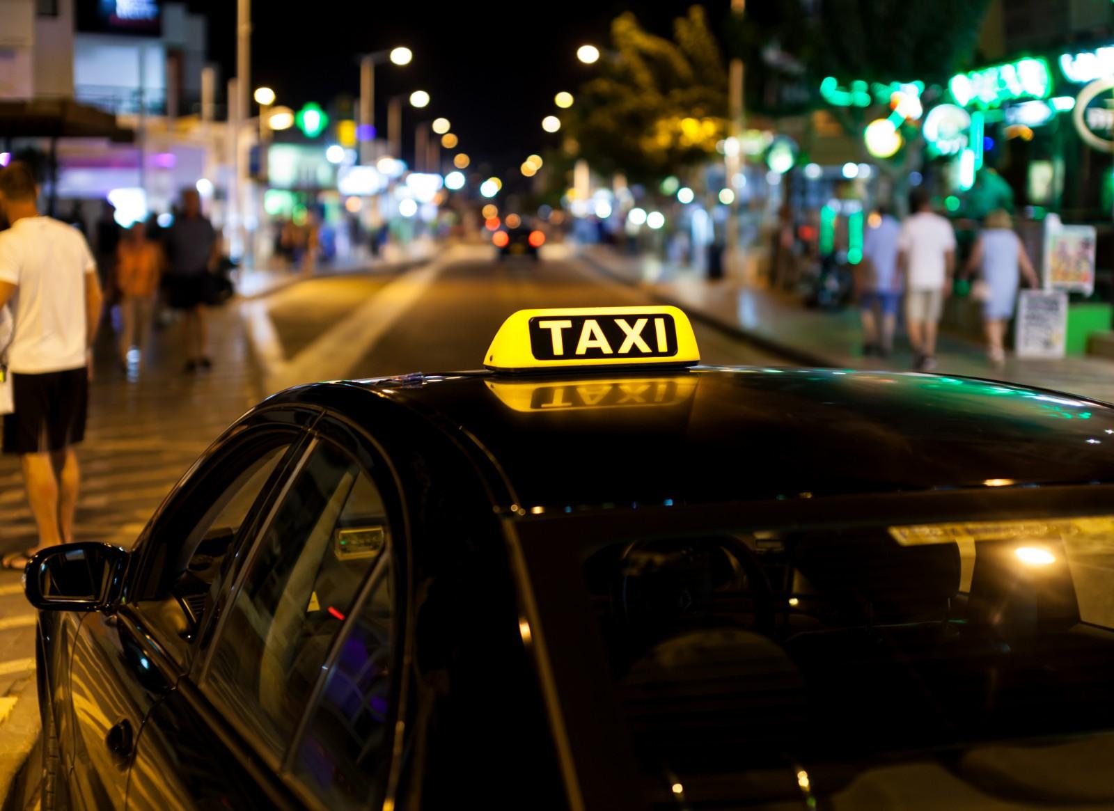 1-ელი ნოემბრიდან რეგისტრაცის გავლის გარეშე ტაქსით მომსახურეობა ჩაითვლება უნებართვო საქმიანობად და 200-ლარიან ჯარიმას გამოიწვევს