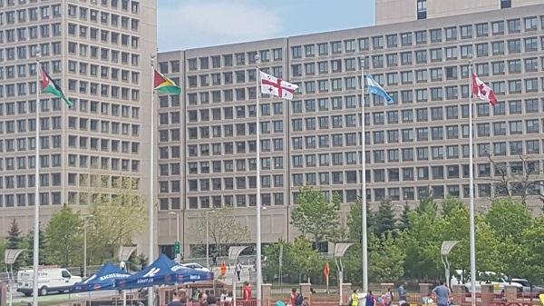 კანადაში ოტავას მერიის წინ საქართველოს სახელმწიფო დროშა საზეიმოდ აღმართეს