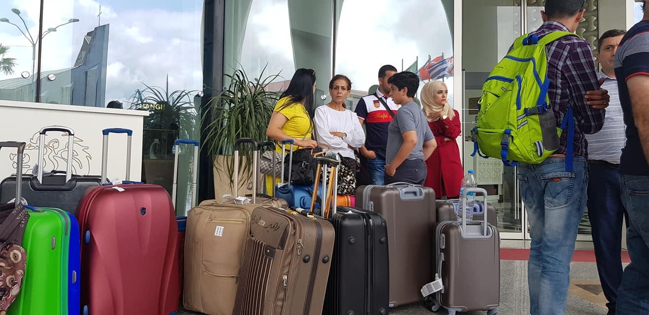 სასტუმრო ''ველმონდს'' სტუმრები ტოვებენ