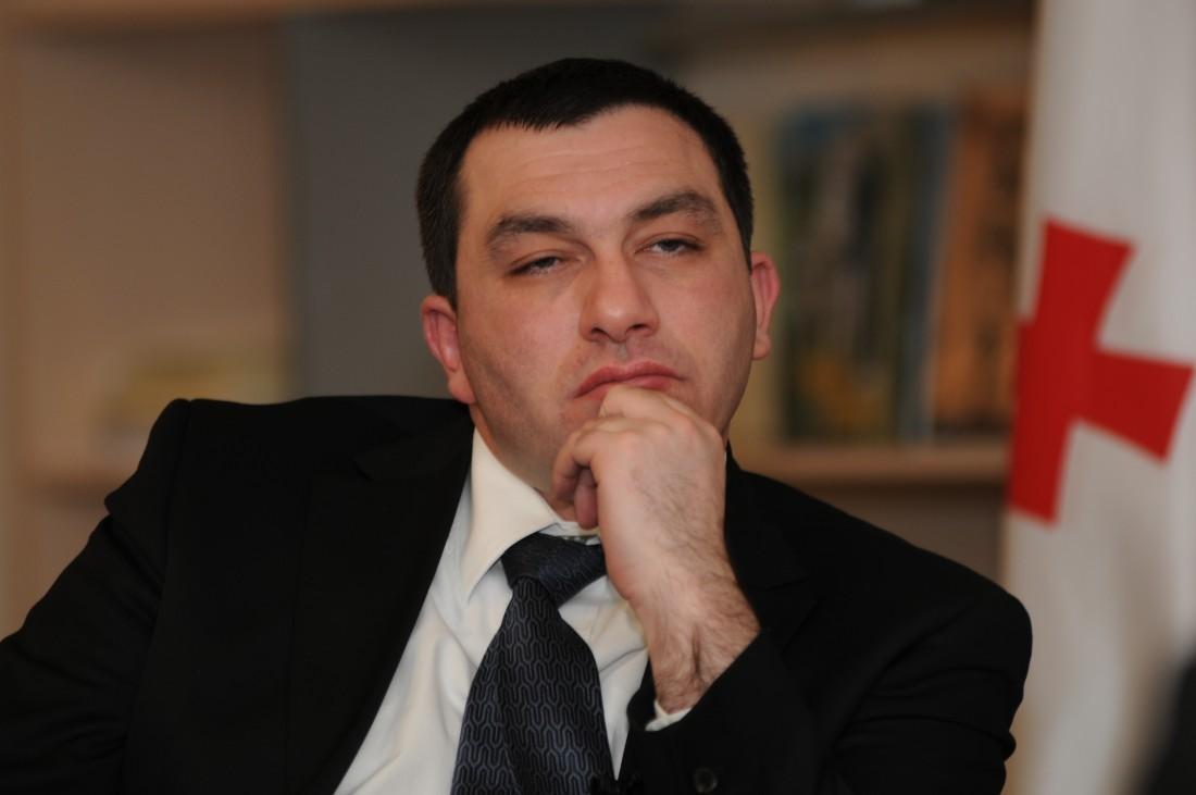 საქართველოს არ სჭირდება და საშიშია პრეზიდენტი, რომელიც ომის დაწყებას საკუთარ ქვეყანას აბრალებს - გიგა ბოკერია