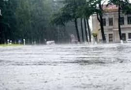 ქობულეთში, წვიმის შედეგად დატბორილი სახლიდან მაშველებმა დედა-შვილი გამოიყვანეს