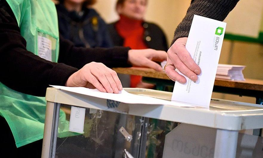 გლდანის N10 საარჩევნო ოლქში 10:00 საათის მონაცემებით, საკუთარი არჩევანი 8 800-მა მოქალაქემ დააფიქსირა