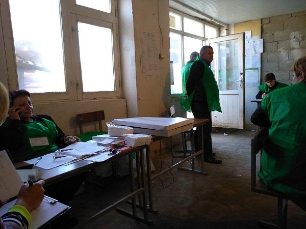 საგარეჯოს ერთ-ერთ საარჩევნო უბანზე სუფრა გაიშალა