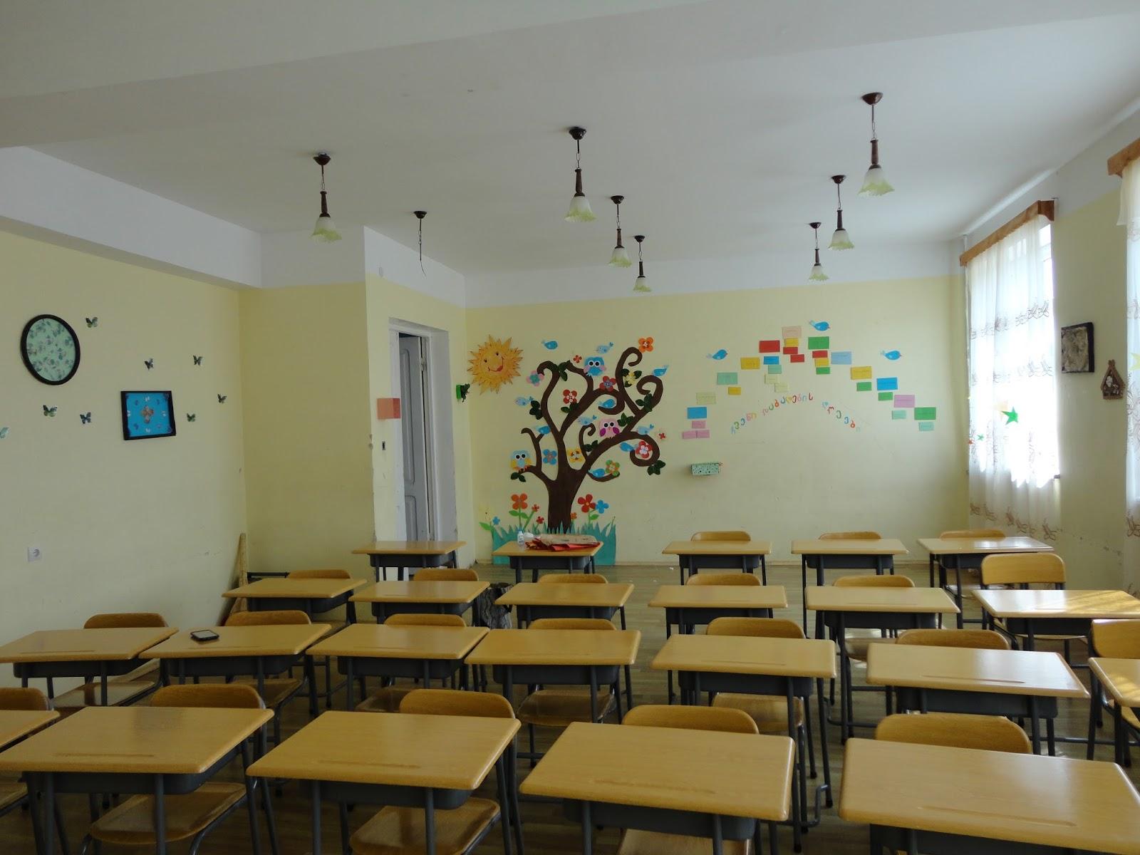 ვაზისუბნის ერთ-ერთ სკოლაში მშობელმა დირექტორს უკბინა