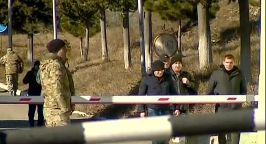 """მუხროვანის სამხედრო ბაზიდან 800-მდე სამხედრო გაათავისუფლეს - """"რუსთავი 2"""""""