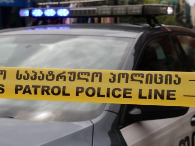ტყიბულში ავტომანქანა ახალგაზრდა მამაკაცს დაეჯახა - ის ადგილზე გარდაიცვალა