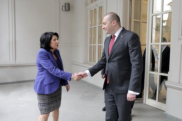 საქართველოს პრეზიდენტისა და პრემიერ-მინისტრის პირველი სამუშაო შეხვედრა გაიმართა
