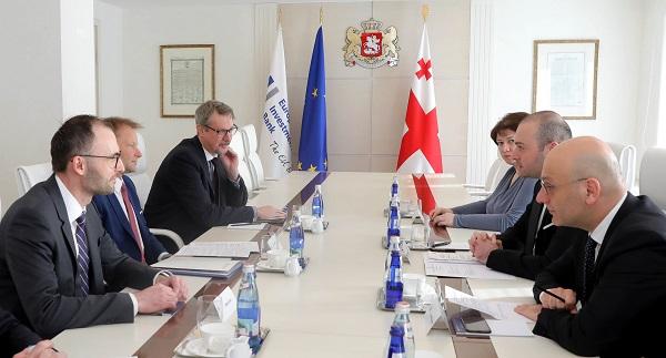 პრემიერ-მინისტრმა EIB-ს ქვეყნის ინფრასტრუქტურულ მოდერნიზაციაში შეტანილი მნიშვნელოვანი წვლილისთვის მადლობა გადაუხადა