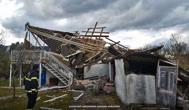 სამტრედიაში, საცხოვრებელ სახლში მომხდარი აფეთქების შედეგად 58 წლის მამაკაცი დაშავდა