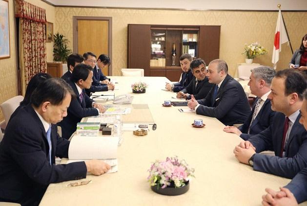 მამუკა ბახტაძე იაპონიის პრემიერ-მინისტრის მოადგილე ტარო ასოუს შეხვდა