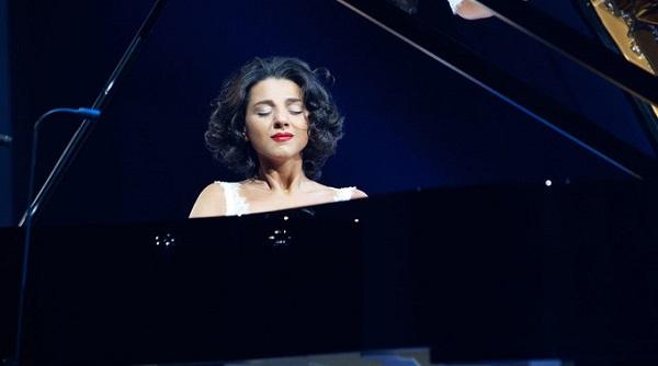 """ხატია ბუნიათიშვილის ალბომი """"Schubert"""" ფრანგული კლასიკური მუსიკის ჩარტის სათავეში მოექცა"""