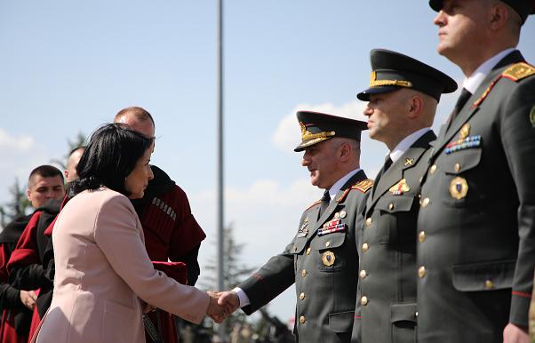 საქართველოს პრეზიდენტმა საქართველოს თავდაცვის ძალების 8 წარმომადგენელს სამხედრო წოდებები მიანიჭა