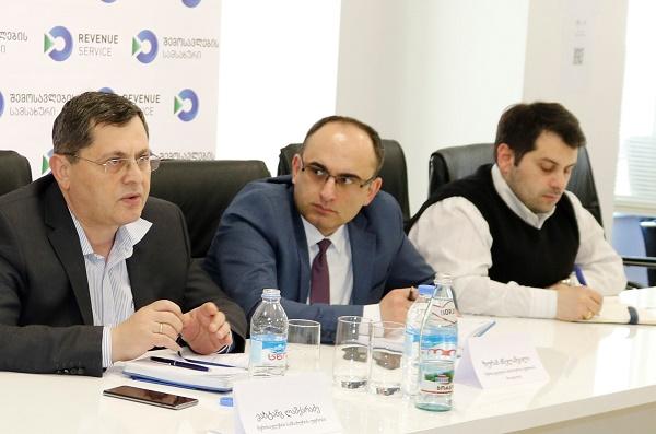 შემოსავლების სამსახურის უფროსი ვახტანგ ლაშქარაძე ევროპული ბიზნეს ასოციაციის წევრებს შეხვდა