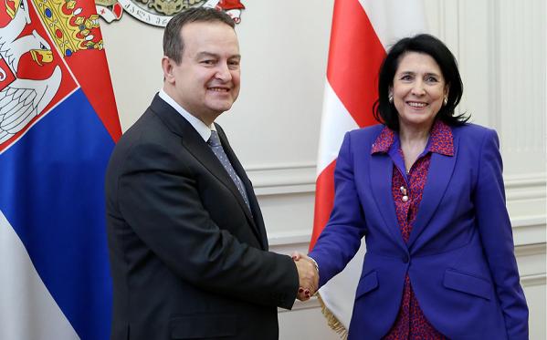 პრეზიდენტი სერბეთის პრემიერ-მინისტრის პირველ მოადგილეს, სერბეთის საგარეო საქმეთა მინისტრ ივიცა დაჩიჩს შეხვდა
