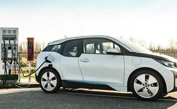 ელექტრომობილები 28%-მდე მეტ CO2-ს გამოყოფენ, ვიდრე დიზელის მანქანები - გერმანელი მეცნიერები ევროკავშირის კანონმდებლებს აკრიტიკებენ