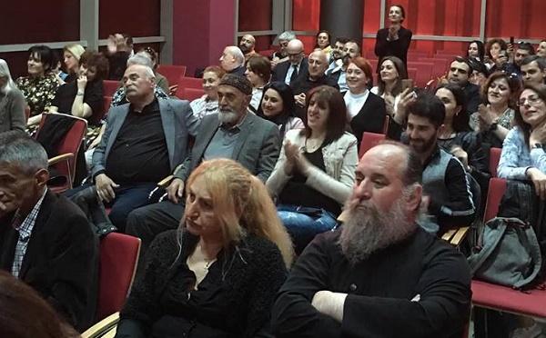 """""""ცოცხალი წიგნები"""" სტამბოლში - ქართველმა მწერლებმა ქართულ დიასპორასთან შეხვედრები გამართეს"""