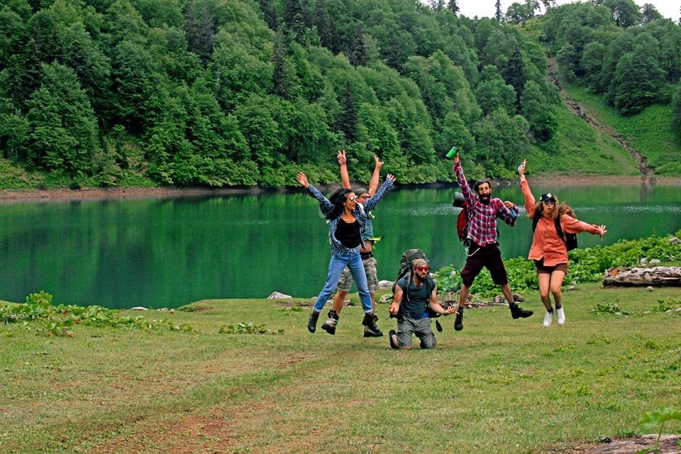 ტურისტები მთიან აჭარაში ახალ ტურისტულ მარშრუტებზე იმოგზაურებენ