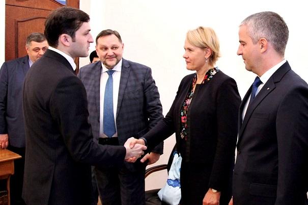 აჭარის მთავრობის თავმჯდომარე ესტონეთის უმსხვილეს საზღვაო კომპანია Tallink Grupp-ის წარმომადგენლებს შეხვდა
