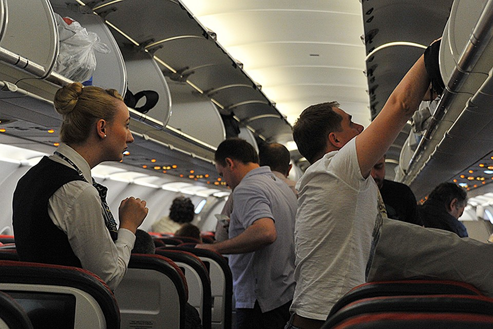 რა უნდა გქონდეთ თან, რათა ფრენა ნაკლებად სტრესული იყოს?