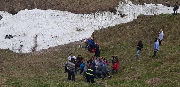 სამთო მაშველებმა 80 მეტრის სიმაღლეზე სადენებს წამოდებული პარაპლანისტები უსაფრთხო ადგილზე უვნებლად ჩამოიყვანეს