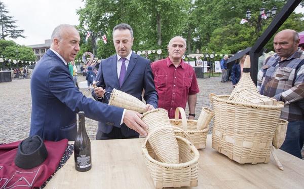 26 მაისი,  საქართველოს დამოუკიდებლობის დღე ქალაქ ოზურგეთში აღინიშნება