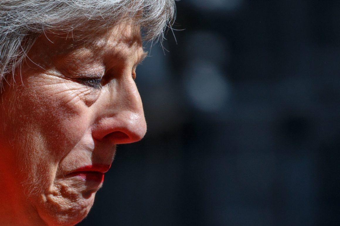 ბრიტანეთის პრემერ-მინისტრი ტერეზა მეი გადადგა