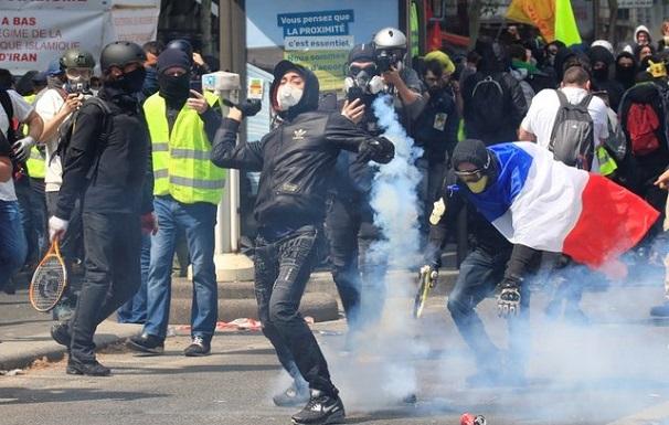 პარიზში შრომის დღესთან დაკავშირებულ აქციაზე 165 ადამიანი დააკავეს