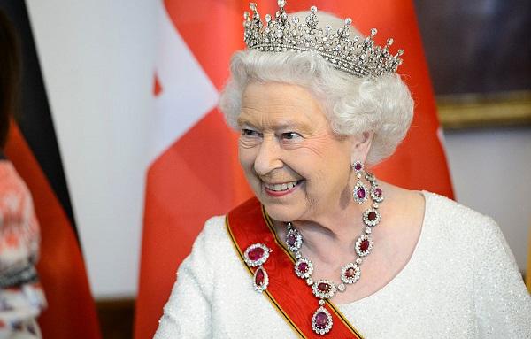 ბრიტანეთის დედოფალი აშშ-ის 12 პრეზიდენტს შეხვდა | ფოტო