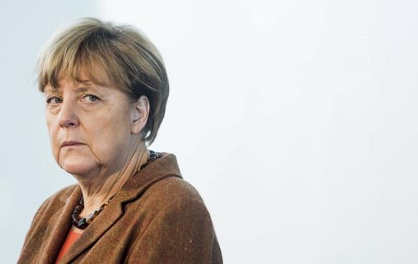 მერკელი გერმანიის პრეზიდენტთან ერთობლივი ბრიფინგის დროს შეუძლოდ გახდა | ვიდეო