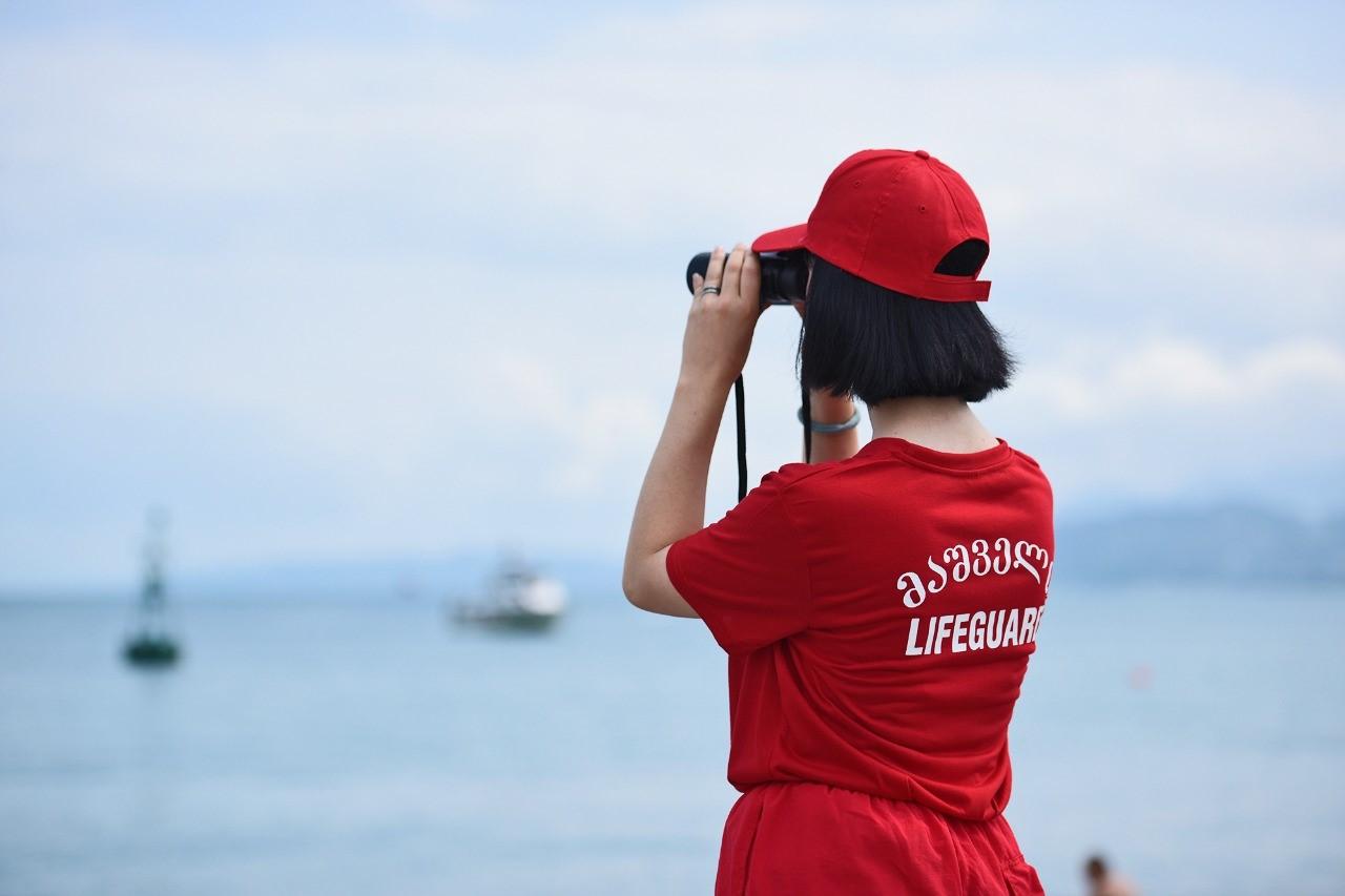 ქალი მაშველები აჭარის სანაპირო ზოლზე გამოჩნდებიან