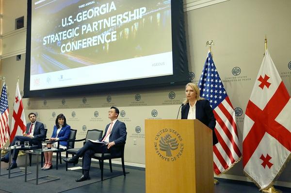 ნათია თურნავა - აშშ-სთან თავისუფალი ვაჭრობის ხელშეკრულება ჩვენი ორმხრივი ვაჭრობისა და ეკონომიკური თანამშრომლობის გაღრმავების საუკეთესო გზაა