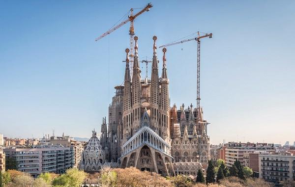 137-წლიანი ლოდინის შემდეგ, ბარსელონის მერიამ საგრადა ფამილიაზე მშენებლობის ნებართვა გასცა