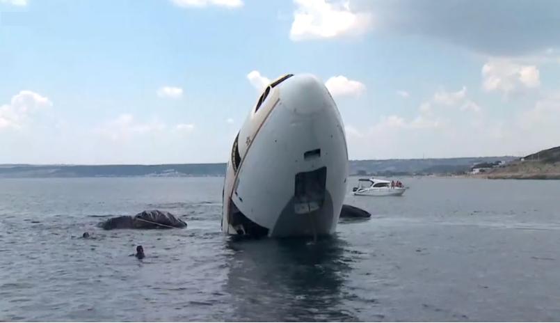 თურქეთში, ტურისტების მოსაზიდად თვითმფრინავი ჩაძირეს | ვიდეო