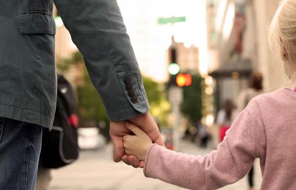 მრავალშვილიანი მშობლის სტატუსი 82 პირს დაუდგინდა - 55 დედას და 27 მამას