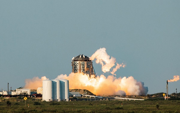 ექსპერიმენტულ კოსმოსურ ხომალდ Starhopper-ს გამოცდის დროს ცეცხლი გაუჩნდა