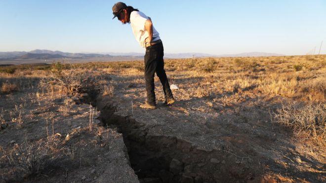 კალიფორნიაში, აშშ-ს დამოუკიდებლობის დღეს, ბოლო 20 წელში ყველაზე ძლიერი მიწისძვრა მოხდა [ფოტო]
