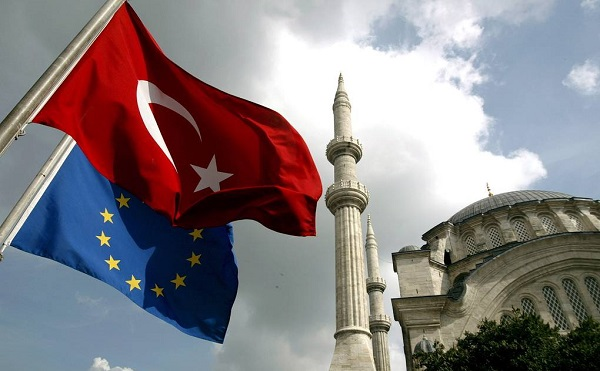 თურქეთში, სახელმწიფო გადატრიალების მცდელობისთვის 53 ადამიანს სამუდამო პატიმრობა მიესაჯა