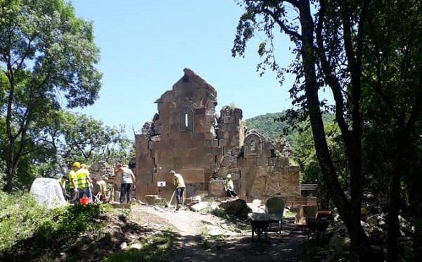 სათხის მონასტერში წარწერიანი უძველესი საფლავის ქვები აღმოაჩინეს