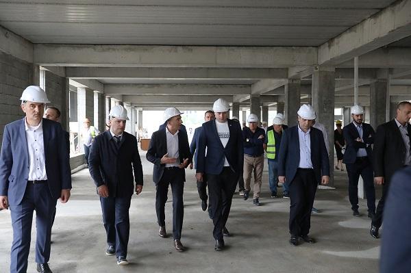 პრემიერ-მინისტრი თბილისში განათლების ქალაქის მშენებლობის პროცესს გაეცნო