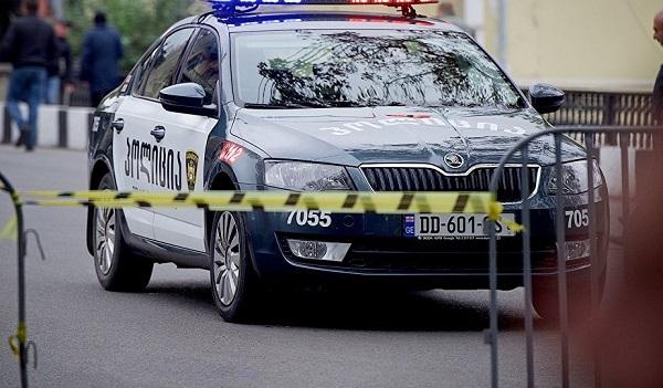 პოლიციამ ბათუმში მანქანის გაქურდვის ფაქტი აღკვეთა