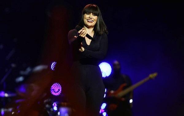 თქვენ იყავით ძალიან ხმამაღალი და სიყვარულით სავსე - Jessie J ქართველ მსმენელს | ფოტო
