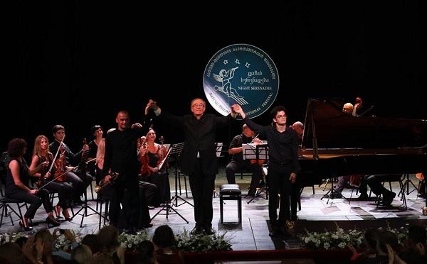 """ბათუმში კლასიკური მუსიკის ფესტივალი """"ღამის სერენადები"""" საზეიმოდ გაიხსნა"""