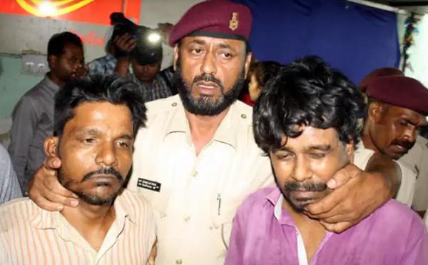 ინდოეთში, ორმა მამაკაცმა, 3 წლის გოგონა გაიტაცა, გააუპატიურა და თავი მოაჭრა