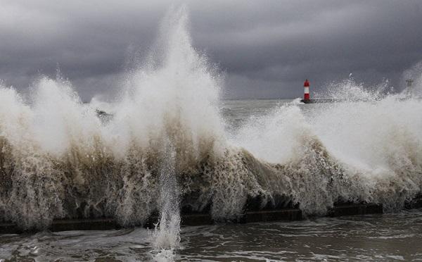 4 ბალამდე შტორმი - შავი ზღვაში შესვლა კატეგორიულად აკრძალულია